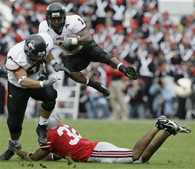 Wolfe Leaps over Ohio State Defense